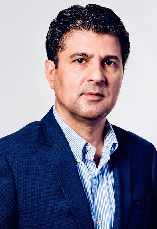 Akbar Zuberi Profile